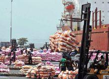 Afreximbank et l'IFTC annoncent qu'elles financeront l'exportation de plusieurs denrées dont le maïs, comme ici au port de Lagos au Nigeria. Photo : Daouda Aliyou