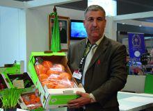De nombreux Africains viennent présenter leurs produits chaque année au Salon de l'Agriculture de la Porte de Versailles, comme cet Algérien en 2018. Photo: Antoine Hervé