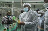 Le ministre du Commerce et de l'Industrie Souleymane Diarrassouba lors de l'inauguration de l'usine de transformation de fruits et légumes de Trafrule à N'Douci mi-juillet. Photo : M. Camara